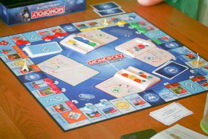 Speelbord van het Monopoly Wereldeditie bordspel