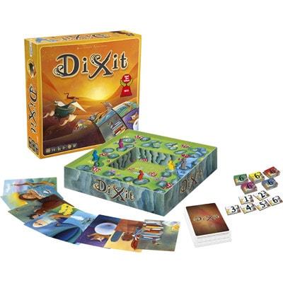 Doos en onderdelen van de Nederlandse versie van het bordspel Dixit