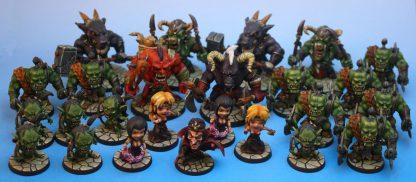 Impressie van geverfde figuren van Arcadia Quest