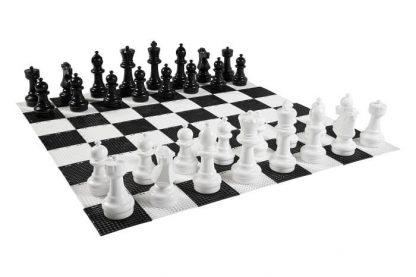 Speelstukken en speelbord van Grote Schaakstukken Buiten
