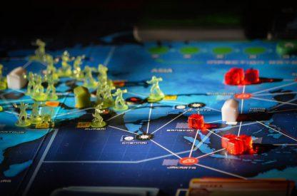 Sfeerimpressie van het bordspel Pandemic Legacy Season 1 Red