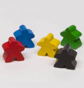 Productfoto van Meeples onderdelen in het blauw, geel, groen, zwart en rood