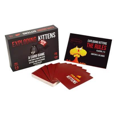 Spelonderdelen van het bordspel Exploding Kittens NSFW